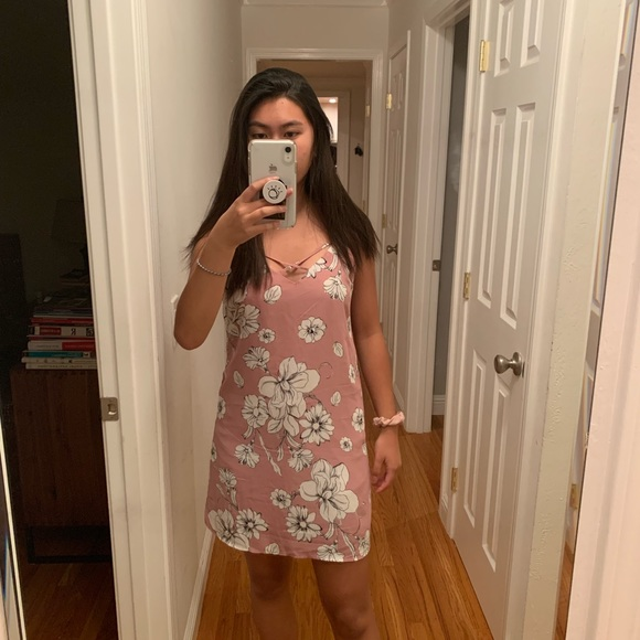 Francesca's Collections Dresses & Skirts - Francesca's Pink Floral Dress